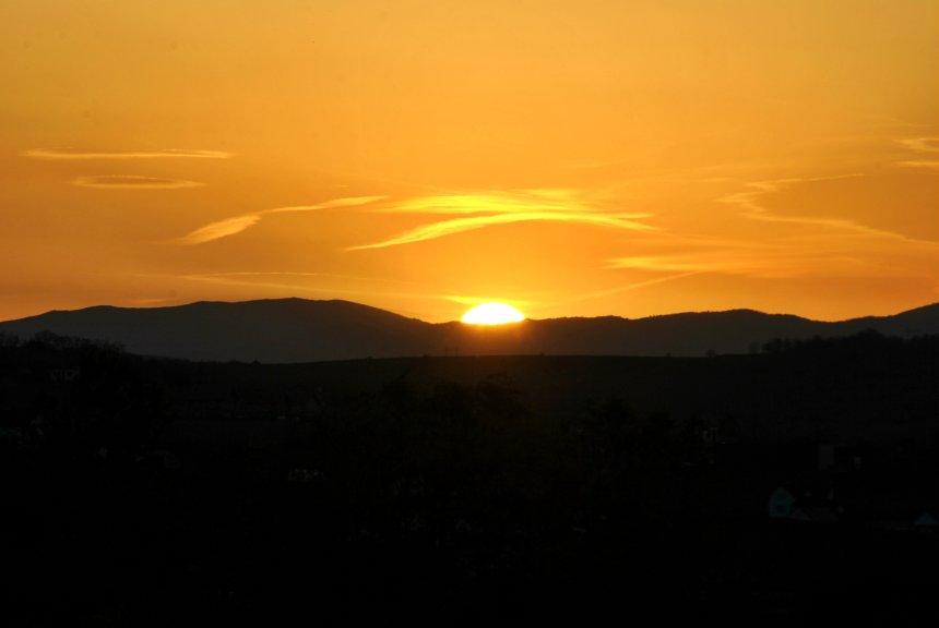 Perëndimi i diellit përmes fotografive - Zëri   title   perendimi i diellit