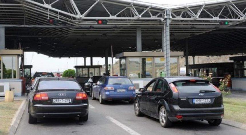 Pritje prej 20 minutash në vendkalimet kufitare të Maqedonisë