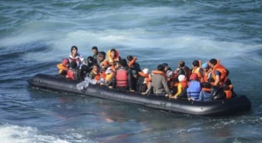 Shpëton gomonia me 8 persona në ujërat e Karaburunit