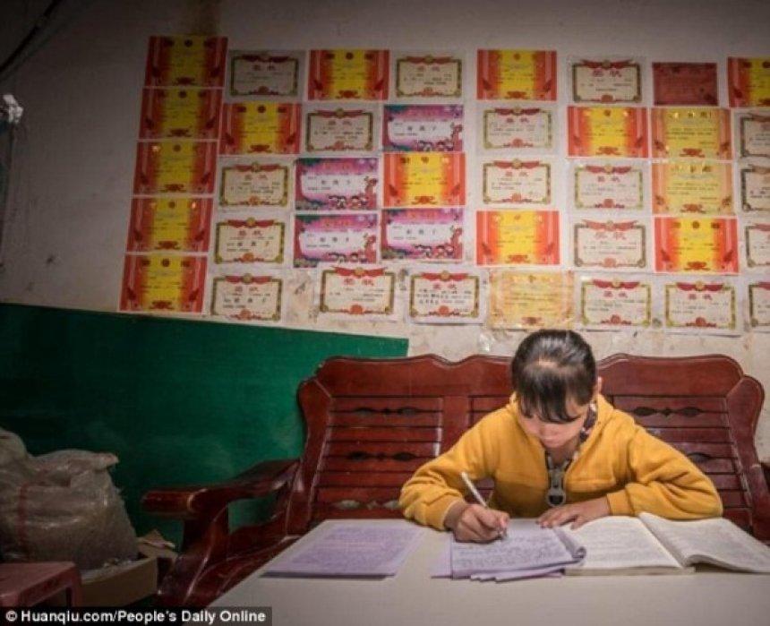 Letra prekëse e 11-vjeçares për babain e saj të sëmurë (FOTO) Auto_d11476731668