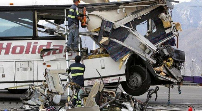 foto-nga-tragjedia-e-autobusit-ku-humben-jeten-13-persona
