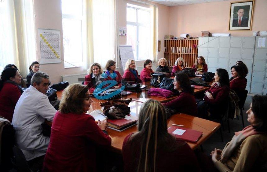 Mësimdhënësit fillojnë të deklarohen për grevën