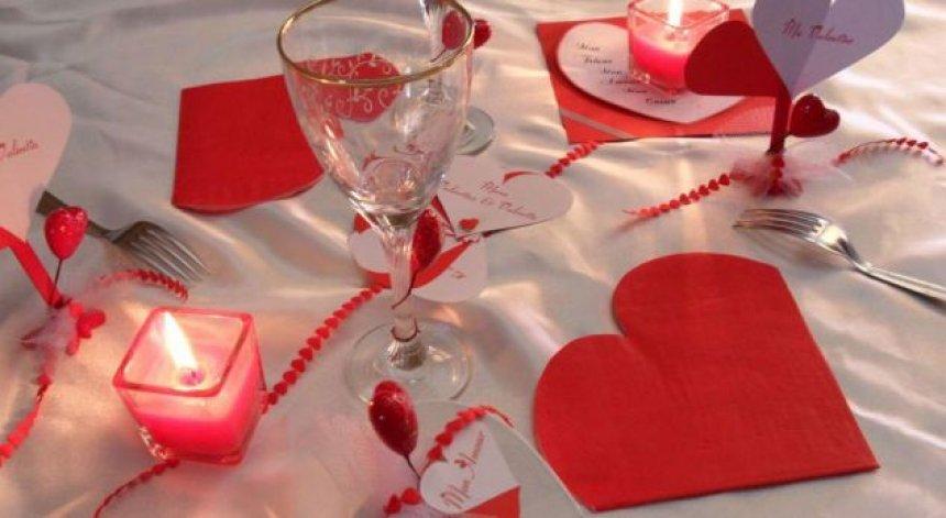10 mënyra romantike për ta befasuar partnerin për Shën Valentin - Zëri