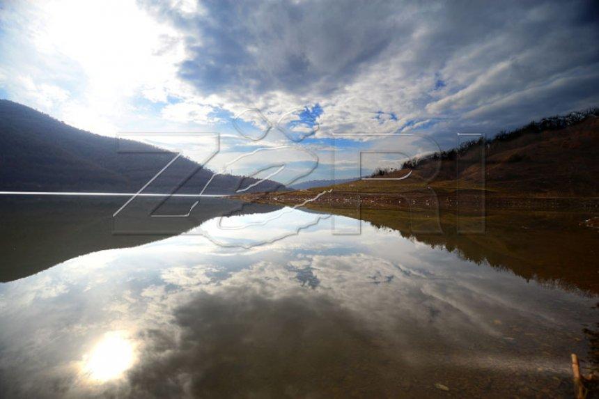 Fillon pastrimi i ambientit tek liqeni i Badovcit