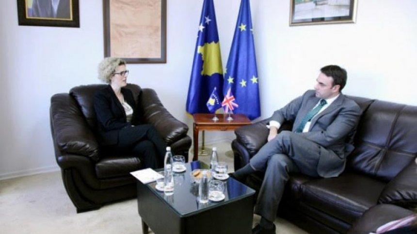 Ahmetaj merr mbështetje nga O Conell për integrime evropiane