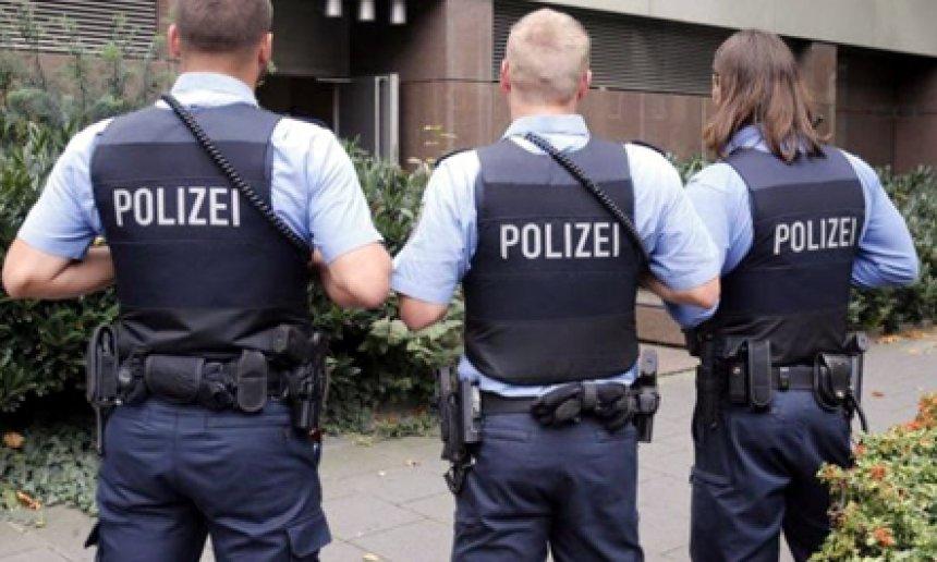Gjermani  aksion antiterror  bastiset edhe një xhami