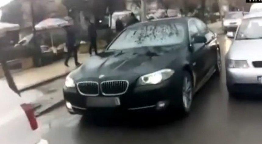 Grabitet në Tiranë vetura e zyrtarit të Ambasadës së Kosovës (Video)