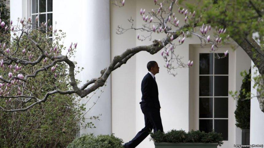 Postimi i parë i Obamës si ish President