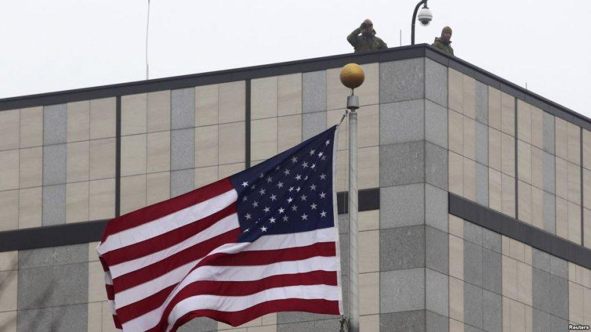 Ambasada Amerikane pranon aplikimet për vizat e fejesës K1