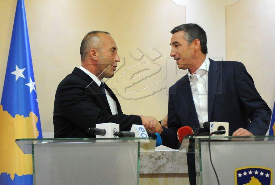 Veseli thumbon Haradinajn  Kur flas me Serbinë  i vë taksë 1000   por me ndërkombëtarët flas ndryshe