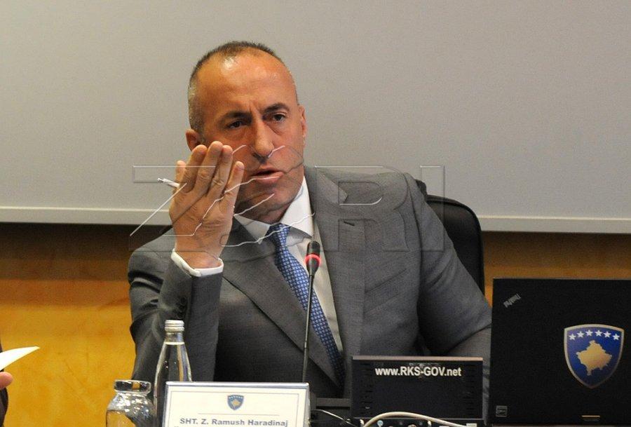 Haradinaj i arsyeton punësimet e njerëzve të afërt me AAK në në Telekom