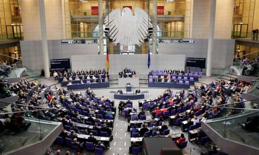 Majtistët gjerman të 'Die Linke'-s përkrahin Zemanin për tërheqjen e njohjes së Kosovës
