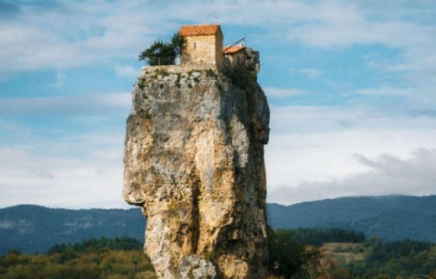 Image result for shkëmbin e lartë 40 metra