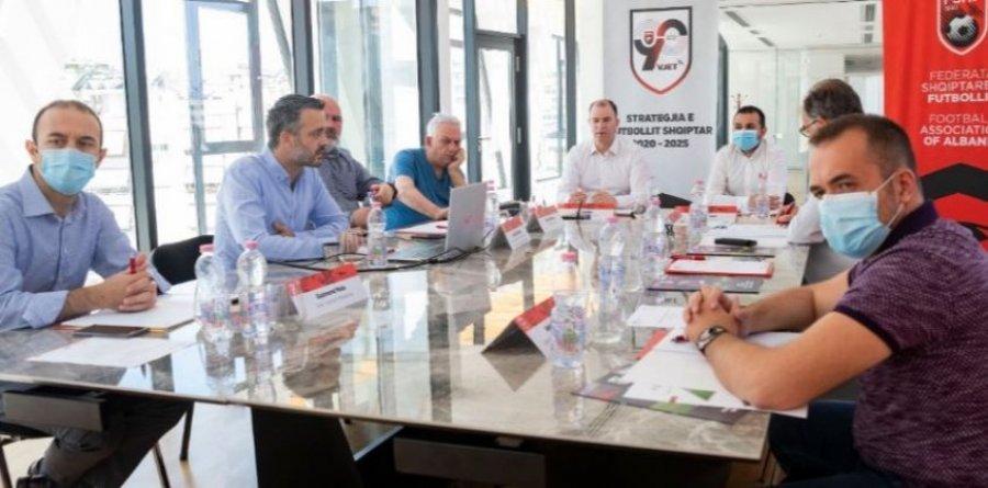 Federata mbledh klubet  diskutojnë për përmirësimin e futbollit