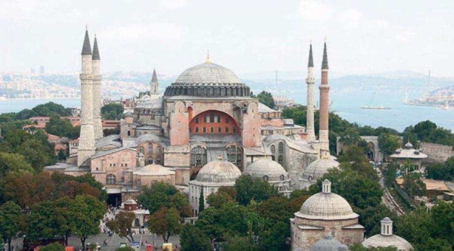 Aja Sofia  shndërrohet në Xhami