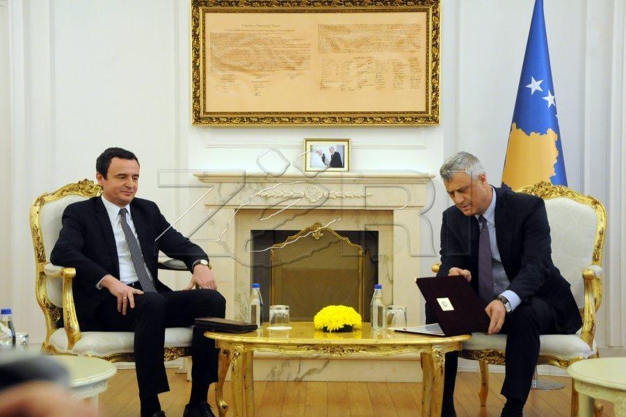 Presidenti Thaçi e fton Kurtin të parin në takim