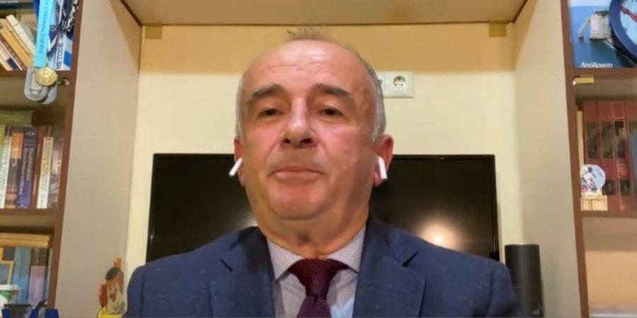 Mjeku shqiptar në Athinë: Pandemia ka hyrë në fazë të panjohur, ruhuni deri sa të dalë vaksina