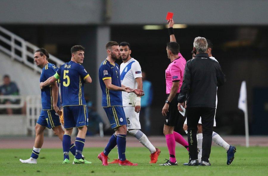 Tensione pas ndeshjes Greqi - Kosovë, Kololli u ndëshkua me karton të kuq, mungon ndaj Sllovenisë