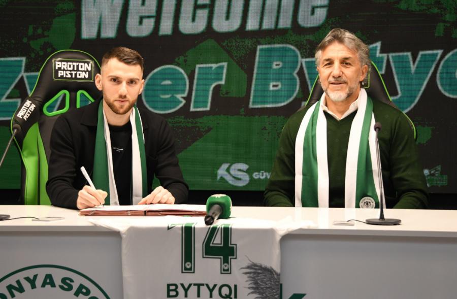 Zymer Bytyqi edhe zyrtarisht te Konyaspori, nënshkruan marrëveshje deri në vitin 2023