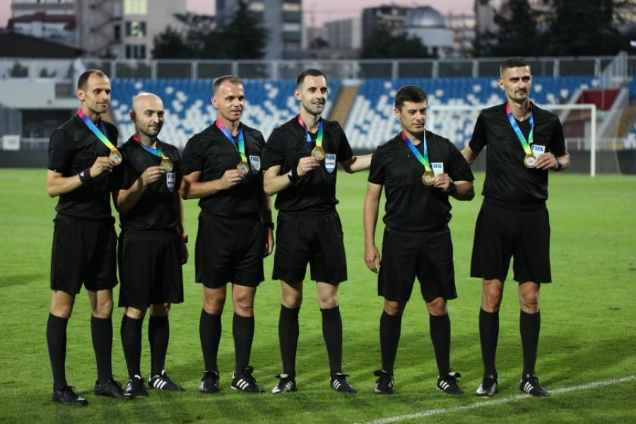 13-refere-nga-kosova-certifikohen-nga-fifa-mbeten-jashte-caka-dhe-bejtullahu